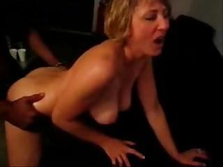 Сексуальные одиссея зрелой уборщицы мотеля