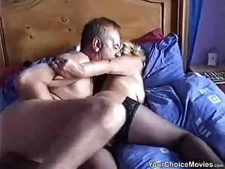 Старики записывают на спальне горячее хоум порно