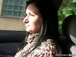 Молодой пикапер снимает приватное харево видео со своей жертвой